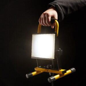 Proiector LED Portabil 24W